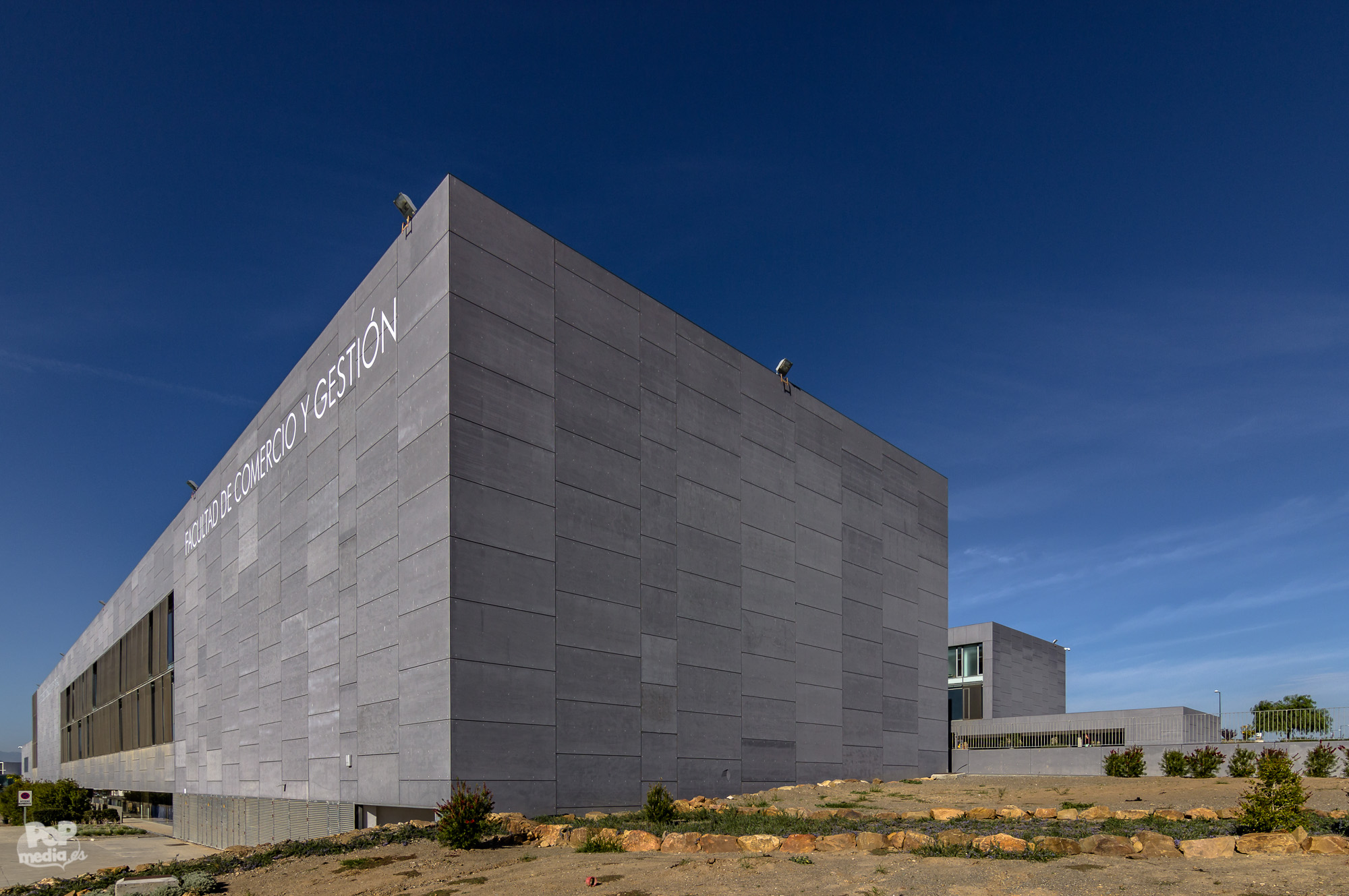 Fotografo Arquitectura-Facultad de Estudios Sociales y Comercio ...